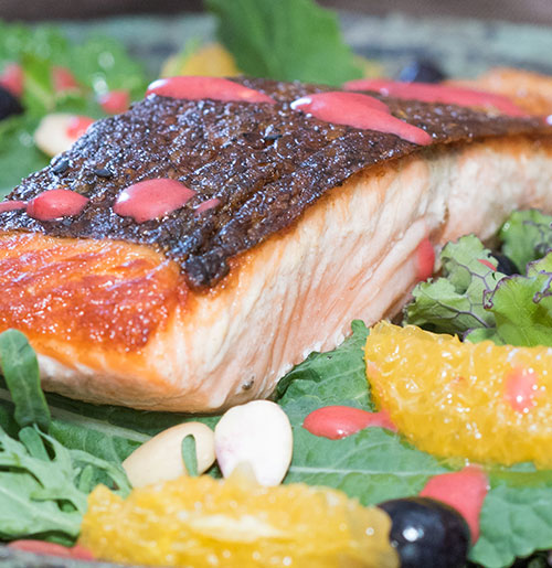 Salmon Salad with Raspberry Vinaigrette - Digestive Nutrition Clinic